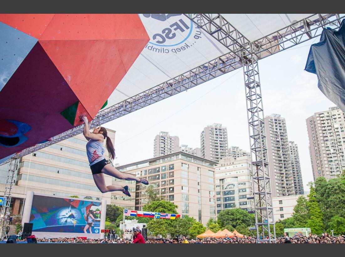KL-Boulder-Weltcup-China-2013-HW-130323-boulder-worldcup-chongqing-9038 (jpg)