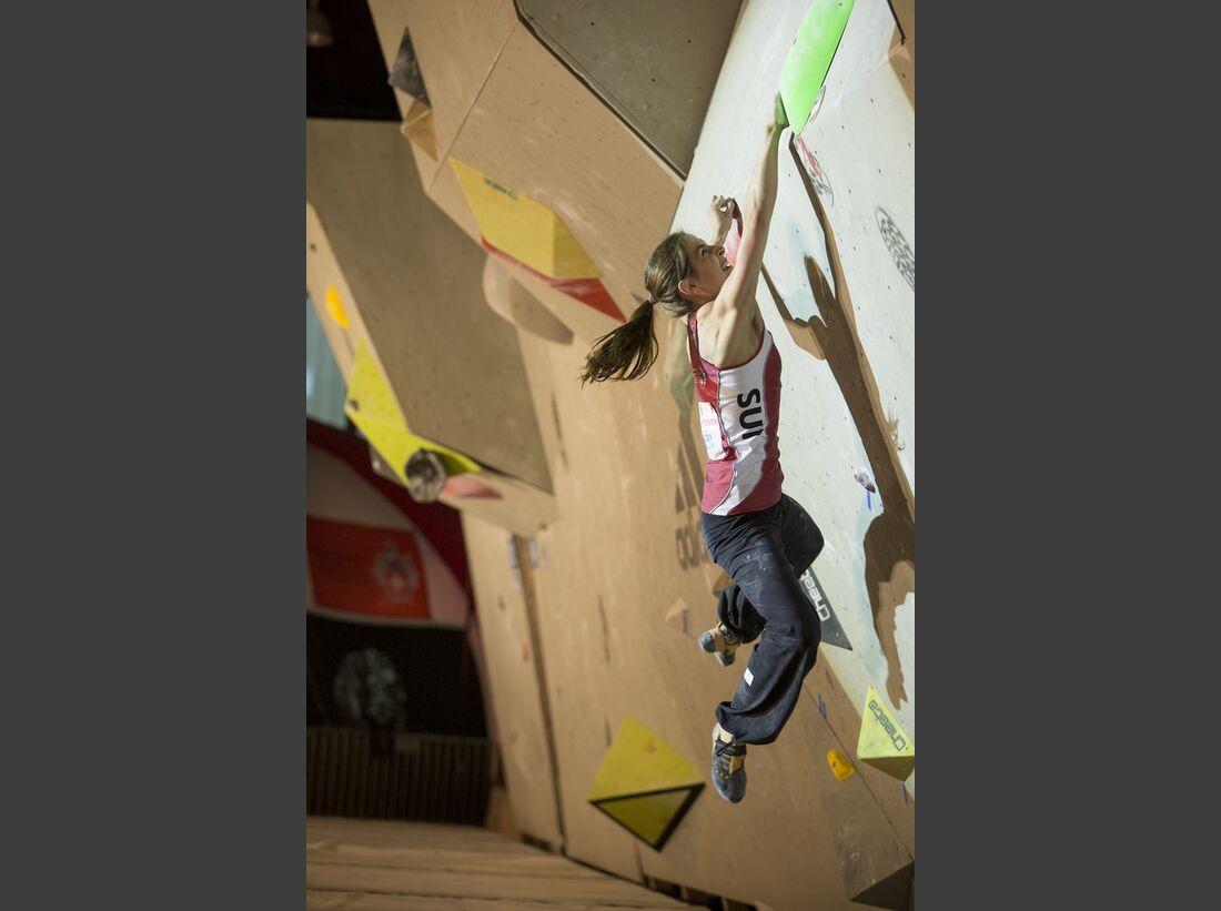 KL-Boulder-Weltcup-Grindelwald-2014-Petra-Klingler-13981129448_ab6c84edd8_b (jpg)