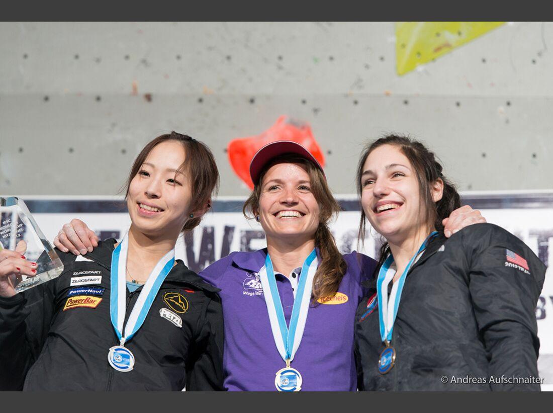 KL-Boulder-Weltcup-Kitzbuehel-2013-Akiyo-Noguchi+Anna-Stoehr+Alex-Puccio-_DSC2650 (jpg)