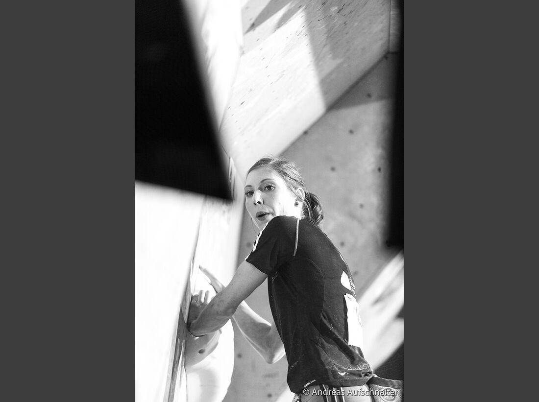 KL-Boulder-Weltcup-Kitzbuehel-2013-Mina-Markovic-_DSC2353 (jpg)