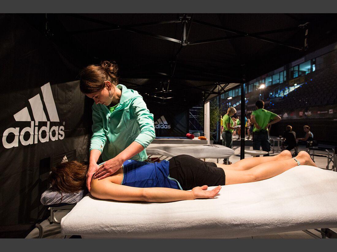 KL-Boulder-Wettkampf-adidas-Rockstars-2014-CWaldegger_aR14_AthleteLounge_0065 (jpg)