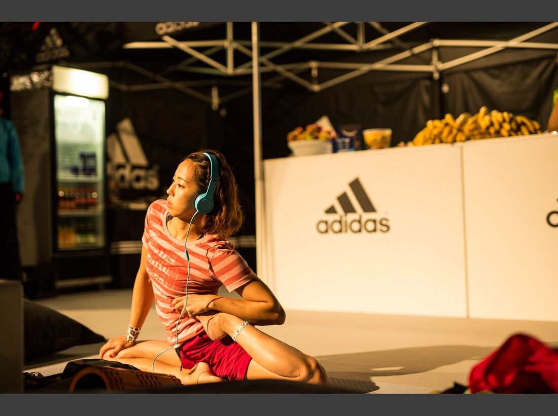 KL-Boulder-Wettkampf-adidas-Rockstars-2014-EHolzknecht_aR14-AthleteLoungeSat_2859 (jpg)