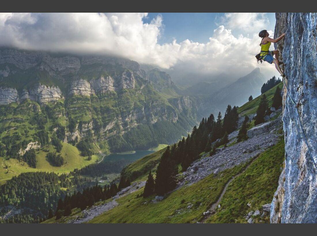 KL_Mammut_Special_2017_Athletenbilder_k_Anna_Stoehr_rock-climbing_ebenalp_D400887_4c.jpg