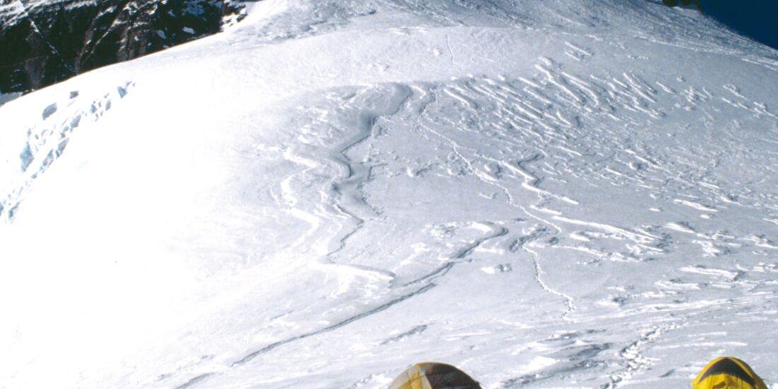 KL-Mount-Everest-c-Ralf-Dujmovits-E356 (jpg)