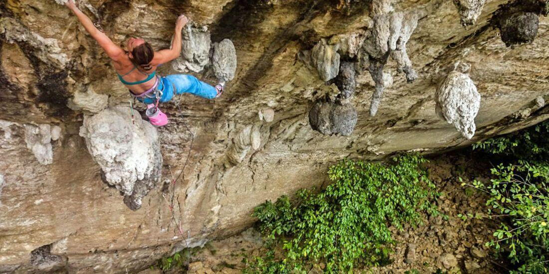 KL-Pearson-Ciavaldini-Klettern-Philippinen-2015-DSC_0445 (jpg)