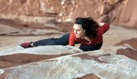 KL-Steph-DAvis-climbing-steph-free-solo-castleton-north-face (jpg)