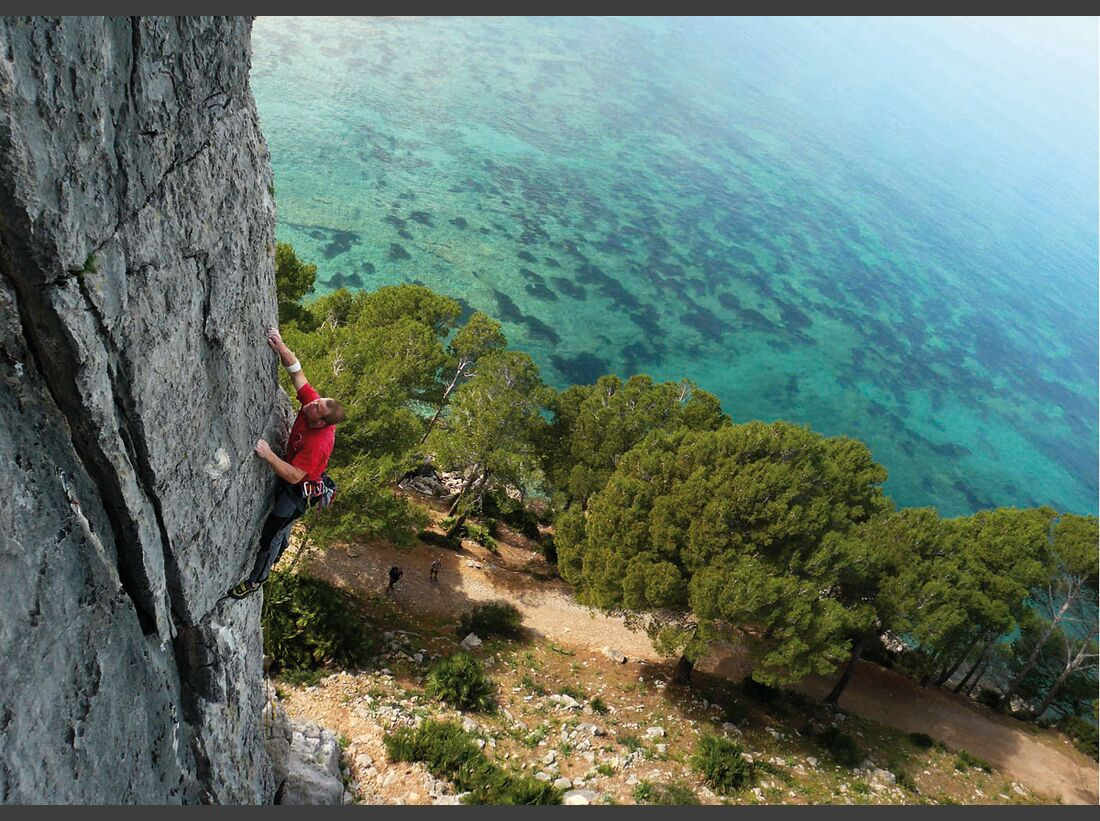 KL-klettern-auf-Mallorca-c-Mark-Glaister-Rockfax-Mallorca-Betlem-Actionshot-Willow-MartiHallett (jpg)