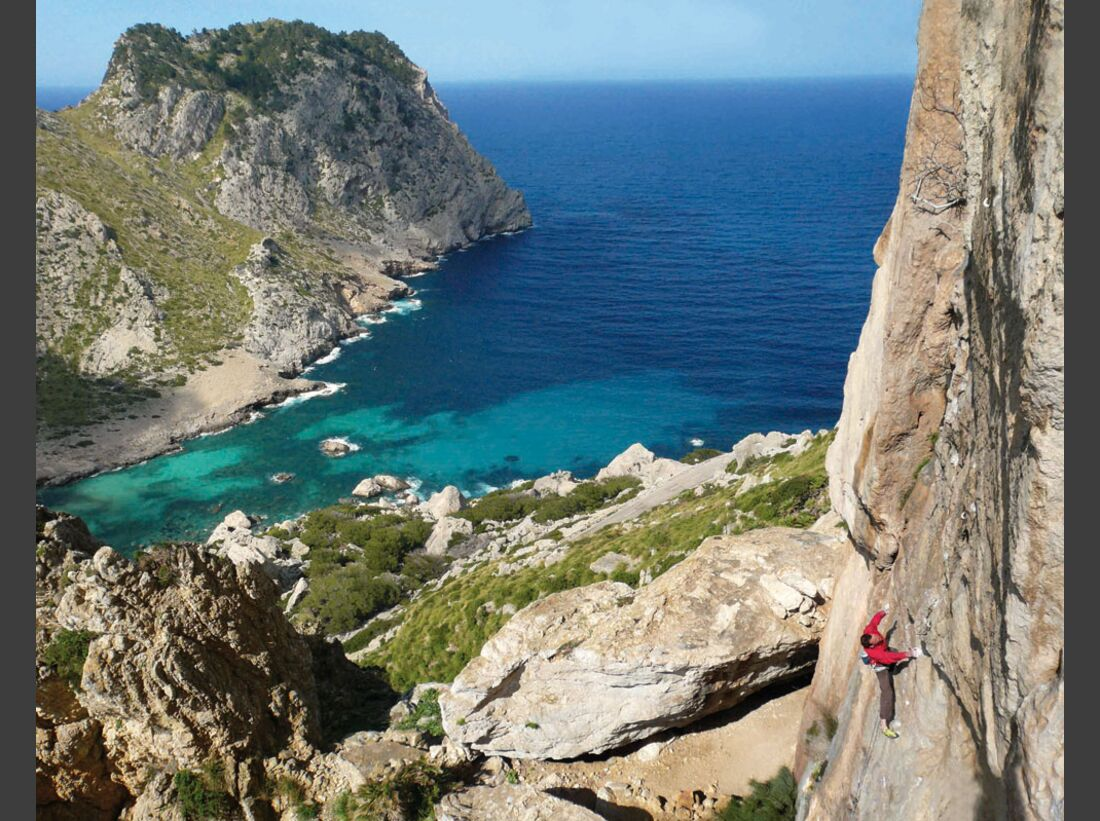 KL-klettern-auf-Mallorca-c-Mark-Glaister-Rockfax-Mallorca-ElFumat-Actionshot-Ziritione-JackGelderd (jpg)