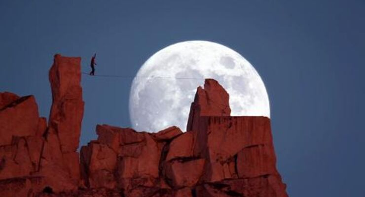Moonwalk - Highline von Dean Potter