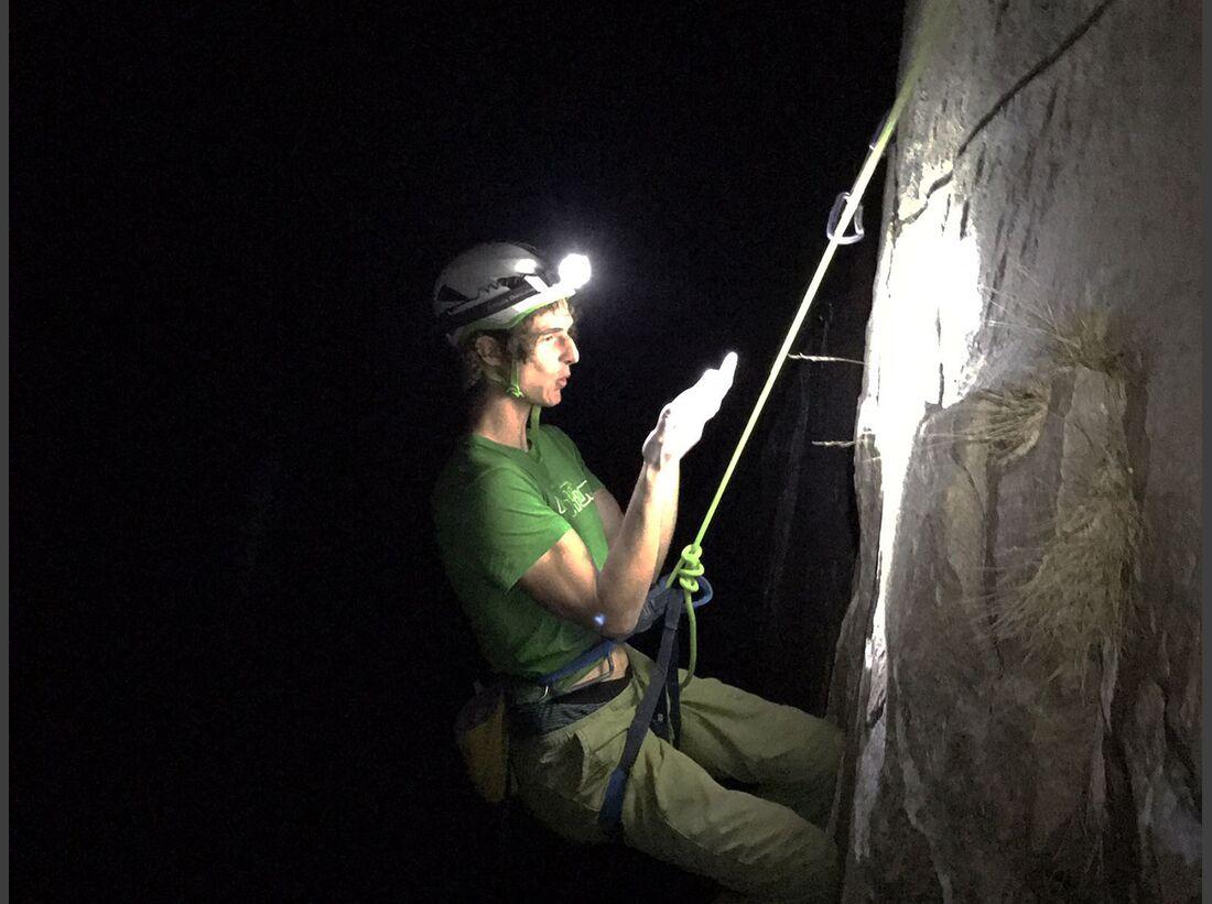 kl-adam-ondra-climbs-dawn-wall-c-pavel-blazek-0001 (jpg)