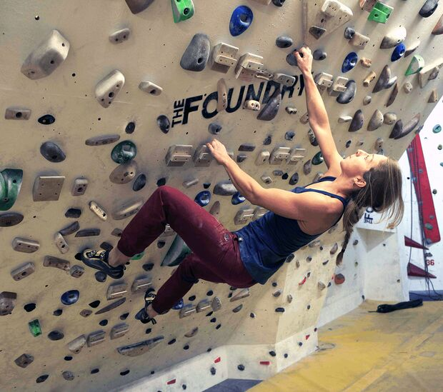 kl-besser-klettern-coaching-lattice-training-maddy-cope-moonboard-bouldering-31a (jpg)