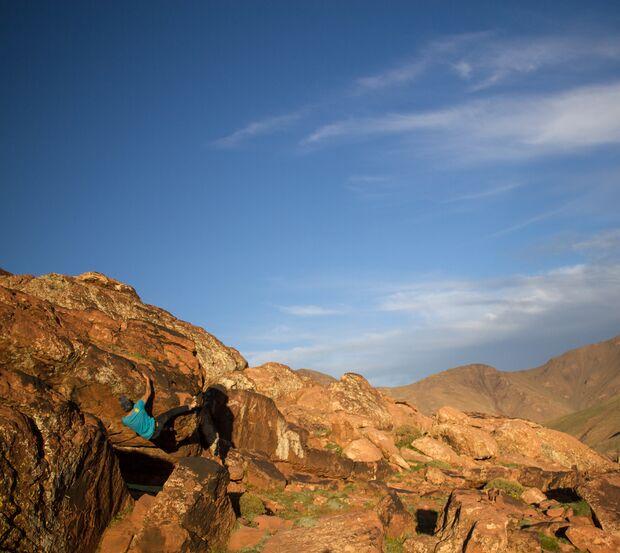 kl-bouldern-marokko-oukaimeden-keoma-jacobs-projecting-dar-sector (jpg)