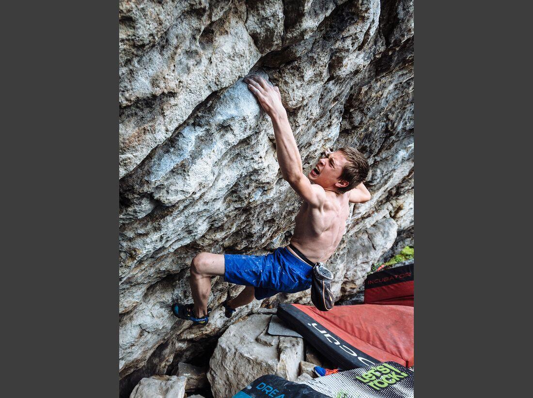 kl-bouldern-schneeberg-sneznik-jan-vopat-komprese-7b+-foto-lukas-biba (jpg)