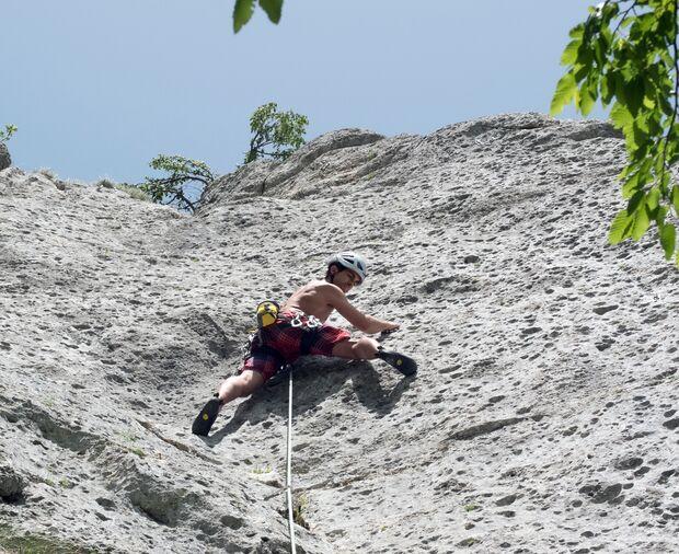 kl-klettern-bosnien-herzegovina-Boris-Radulovic-in-Peci-6a-Klettergebiet-Pecka-c-David-Lemmerer (jpg)