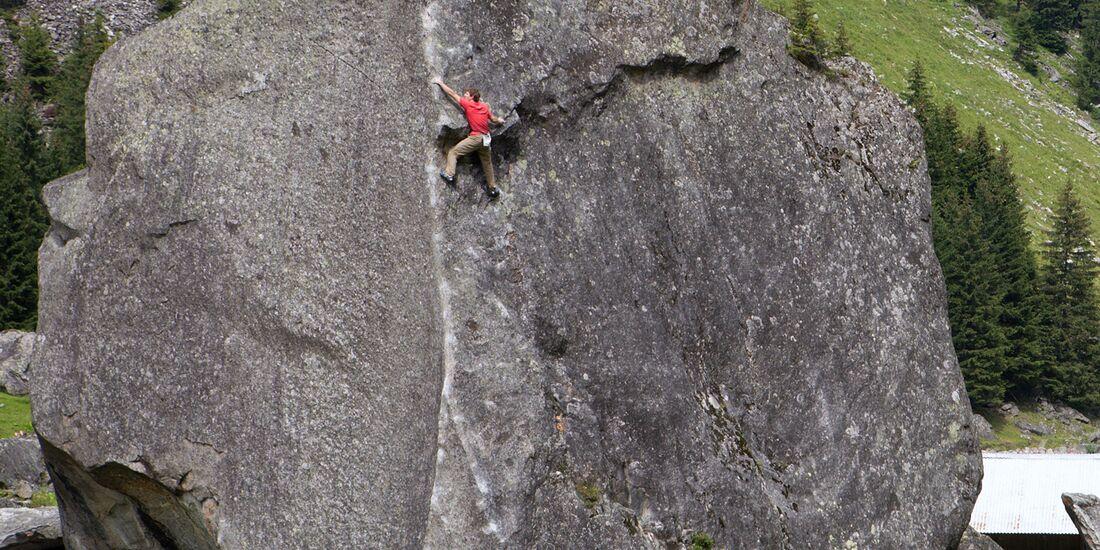 kl-klettern-zillertal-tirol-bouldern-much-mayr-black-beat-sundergrund2 (jpg)
